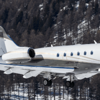 Private Jet Challenger winter
