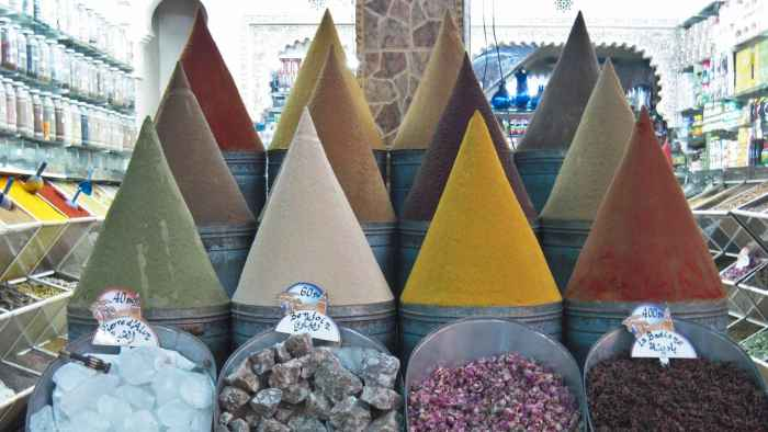 Marrakesh spicies pyramids