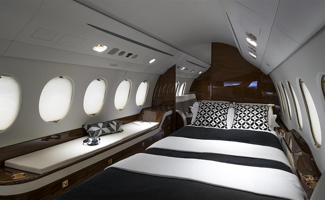 Private Jet Falcon7X