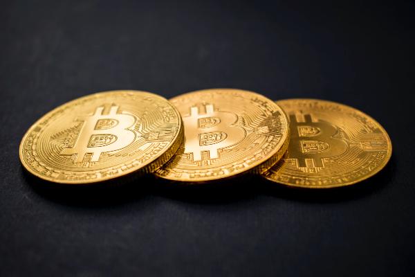 pagare laffitto con bitcoin)