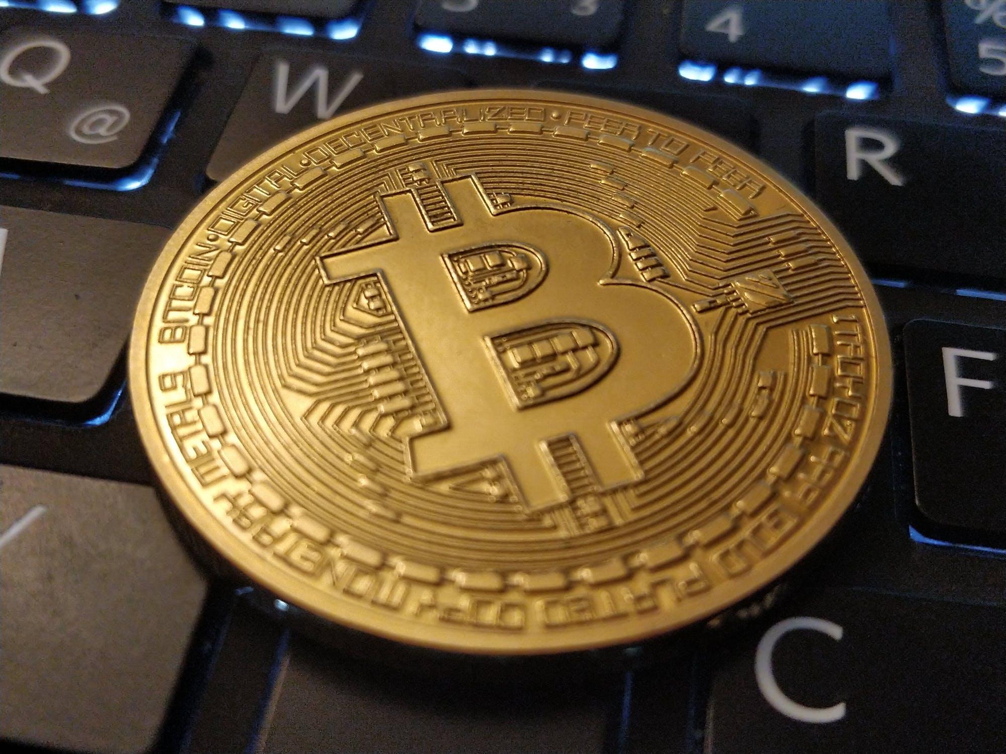 bitcoin privati bitcoin prekybos banko sąskaita